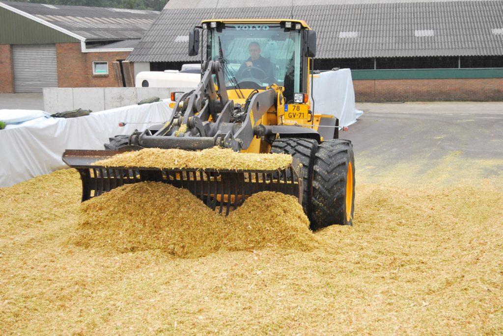 Mais oogst 2012 maiskuil aanrijden